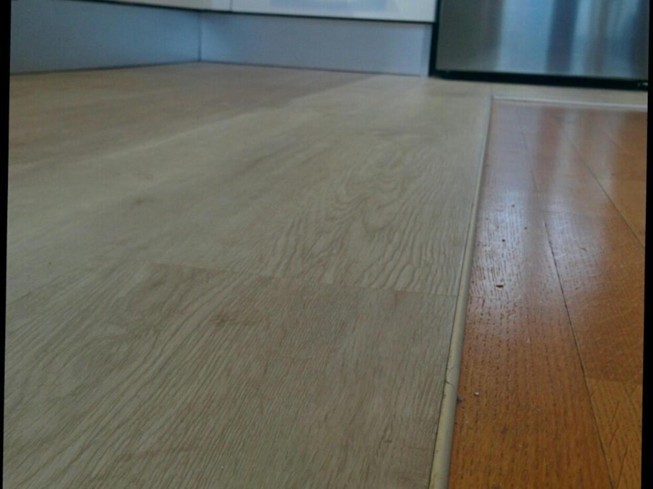 Pavimenti in pvc ad incastro awesome pavimento in pvc pavimenti pvc a click laminato with - Piastrelle ad incastro ...